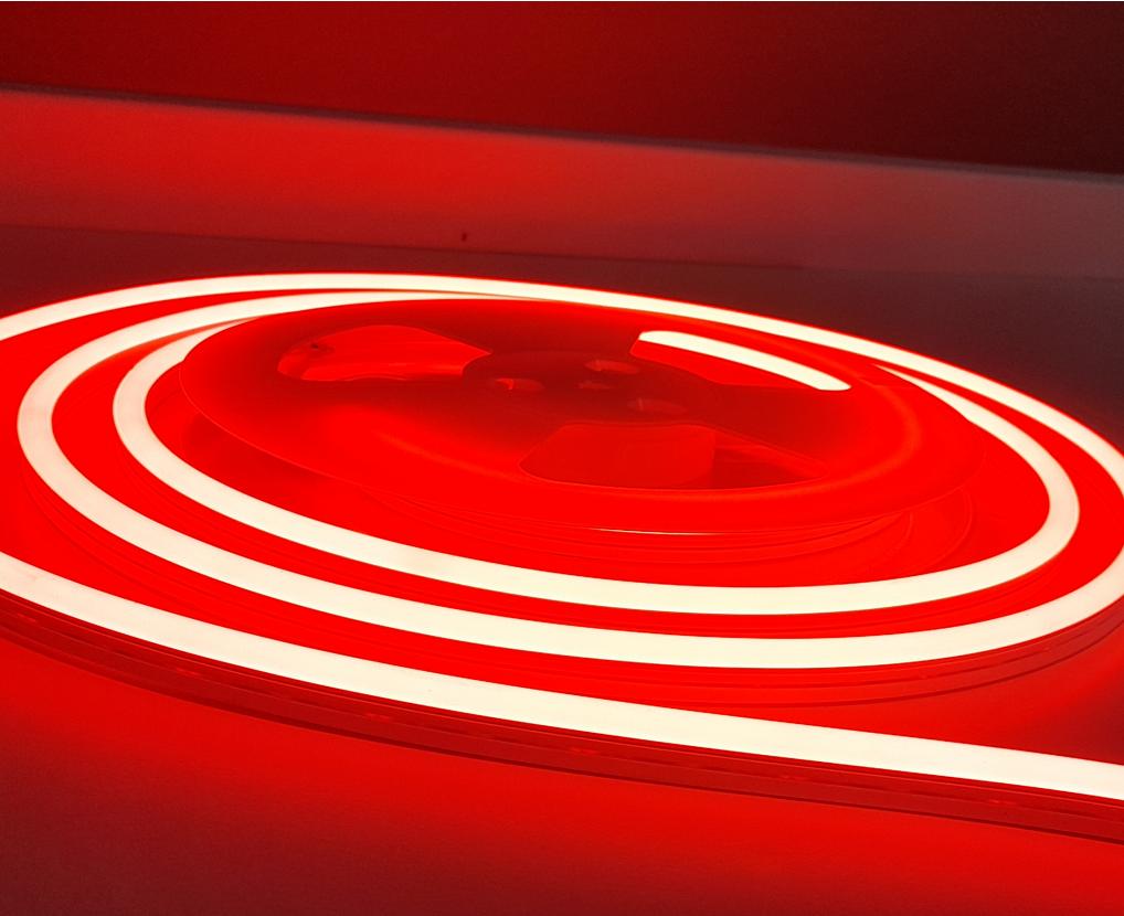 neon_led_reklama_szyld_dekoracja_24v_czerwony_na_zewnatrz_oswietlenie